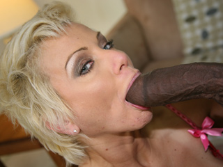 Isabella Rosa goes black on blacks on cougars blog