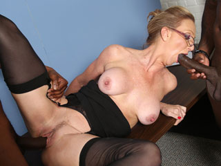 Mature pussy vs young cock