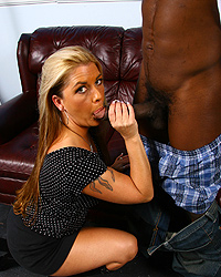 Joclyn Stone - Hot cougar MILF fucks 2  blacks interracial