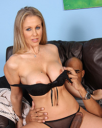 21 Big White Wet Butts 10 Real Rap Talk   Julia Ann