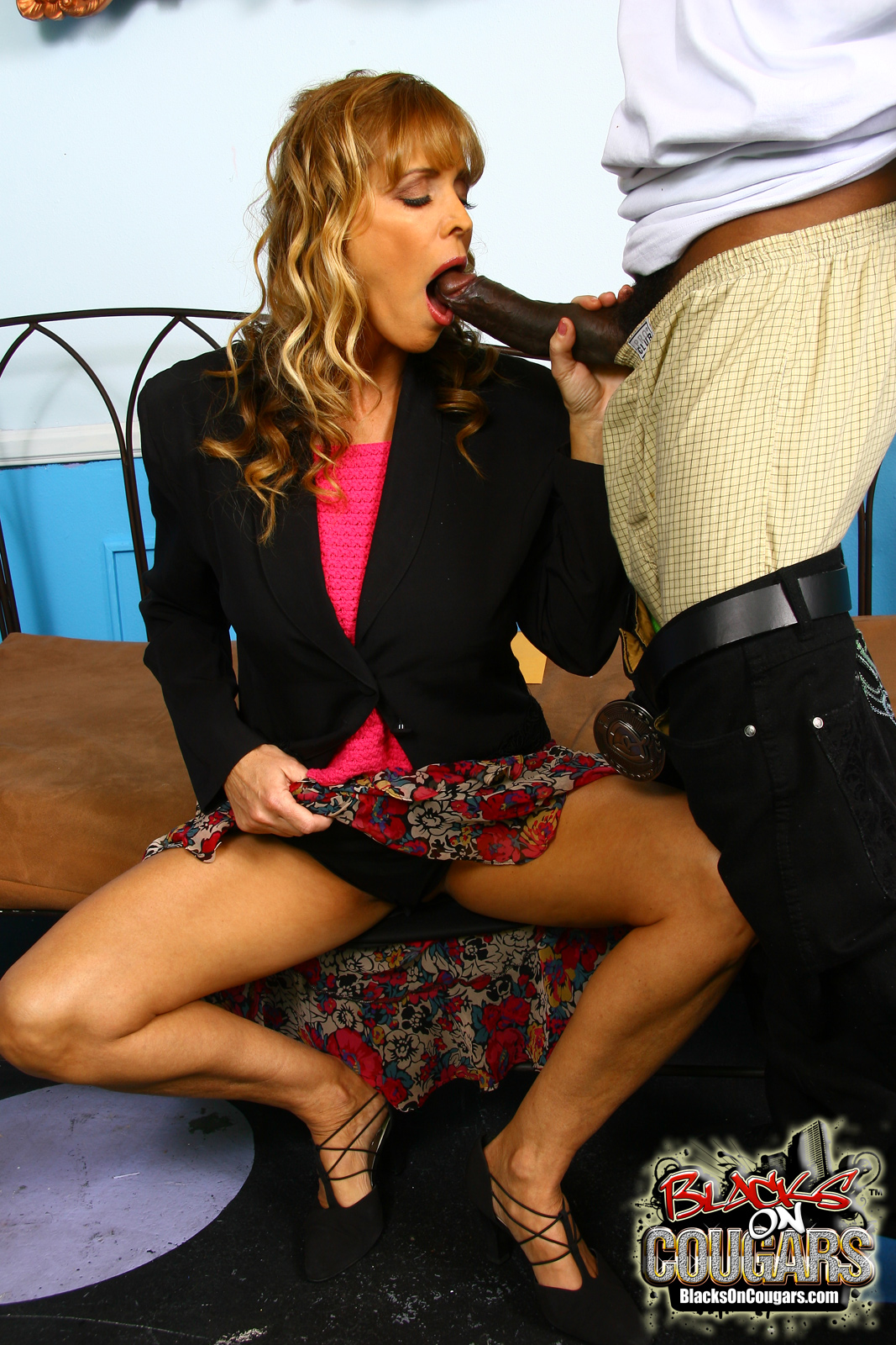 will dripping down Signs of addiction to online dating curvy all