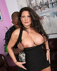 Teri Weigel Blacks On Cougars Flower Tucci