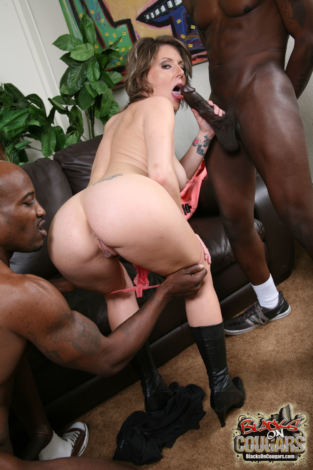 Fat black slut fucked by a thug 7